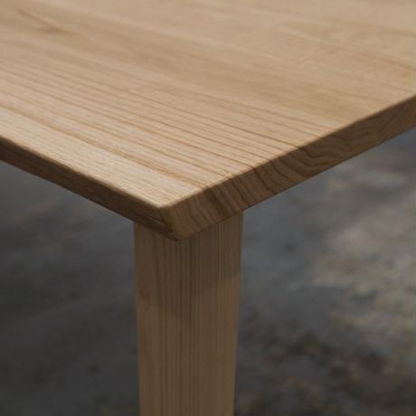 D148 クリ材耳つきテーブル