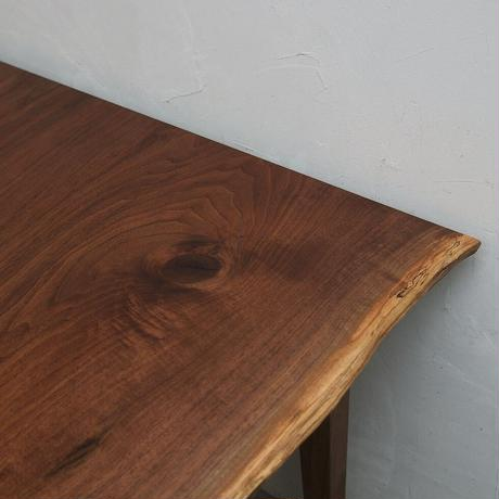 W137 ウォールナット材耳つき2枚はぎテーブル