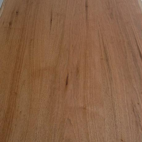 D139 クルミ材耳つきテーブル