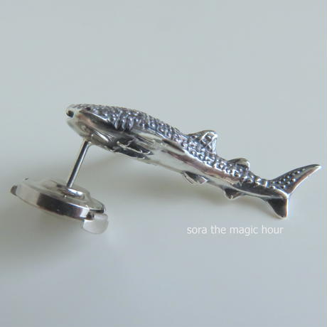 ジンベエザメ ラペルピン Whale shark lapel pin ピンブローチ タックピン
