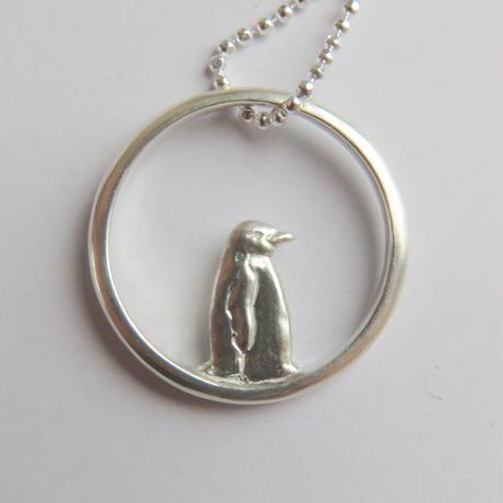 ペンギンのリングネックレス