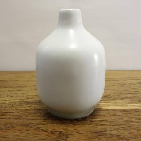 磁器の花瓶 アザミ