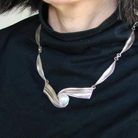 蜜蝋南洋真珠ネックレス