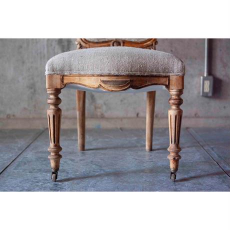 France ロカイユ装飾の椅子