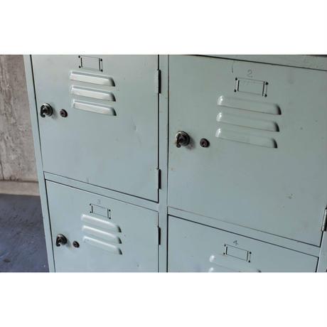 郵便局のロッカー