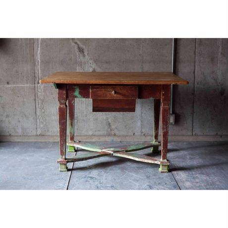 Denmark テーブル