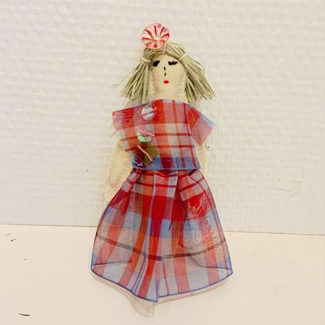 沢野弓子「格子オーガンジー」人形ブローチ
