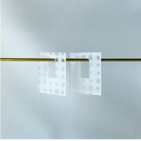 acrylic【 Parts L レクタングル 3D ホワイト】イヤリングパーツ  アクリリック