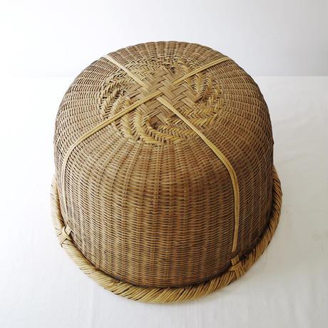 大きな竹カゴ