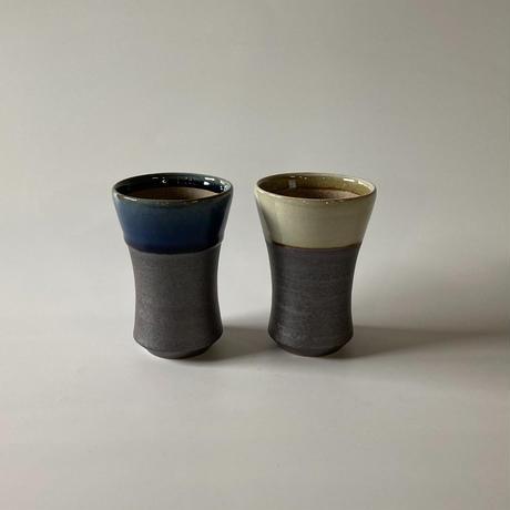 ビールカップ(中 口径約8㎝・高さ約12㎝)呉須・下鉄 (03)