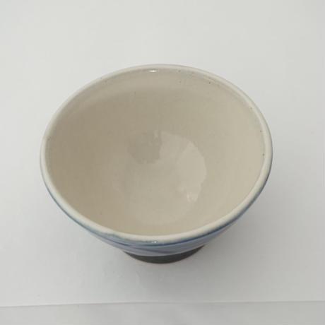 ご飯茶碗 (大 口径約12.5cm・高さ約7cm)呉須/牡丹刷毛目 (09)