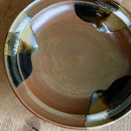 縁付皿(8寸/約24cm)赤土三方流し (02)