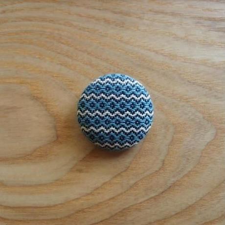 くるみボタン ブローチ (h6)