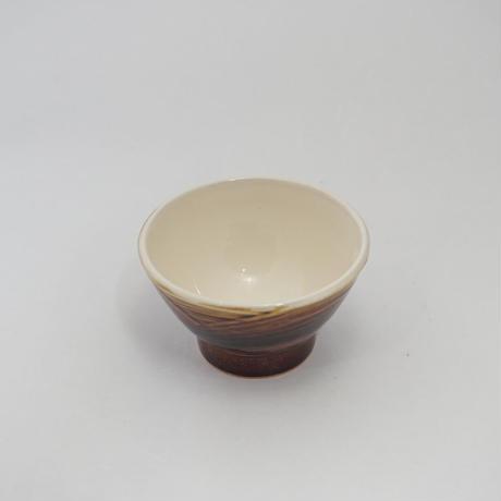 ご飯茶碗 (大 口径約12.5cm・高さ約7cm)飴/牡丹刷毛目 (09)