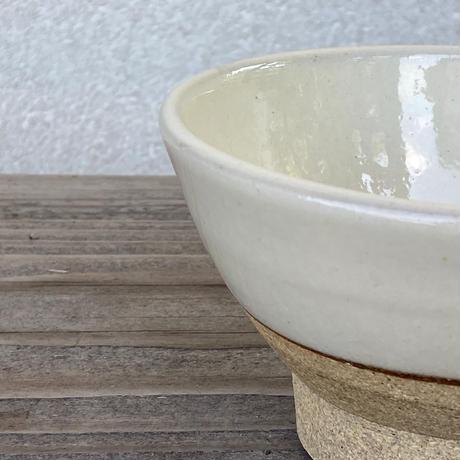 ご飯茶碗(小 口径約11.5cm・高さ約6.5cm)白・下焼き締め (09)