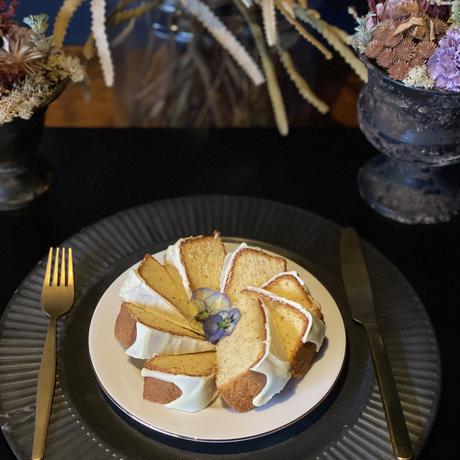 ホワイトチョコバター〈食べられる押し花のケーキ〉