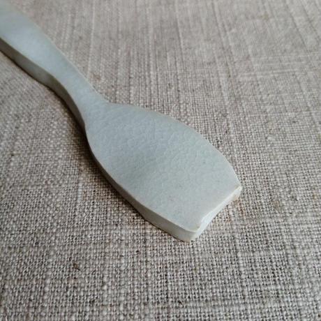 スプーンの形の置物 陶器 一点物