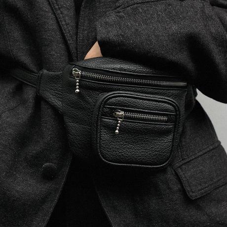 SHRINK LEATHER BODY BAG L250