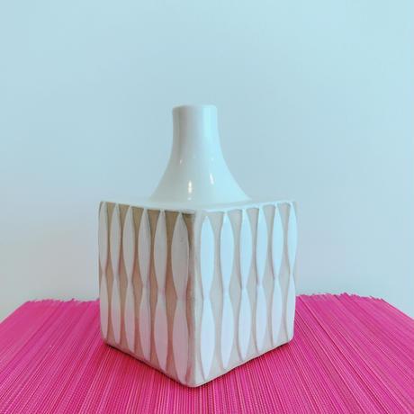 Vietnamese Vase[WHITE] / TREND in ASIA selected.