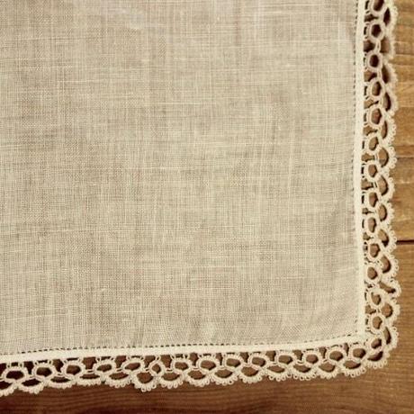 handkerchief N