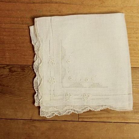 handkerchief G