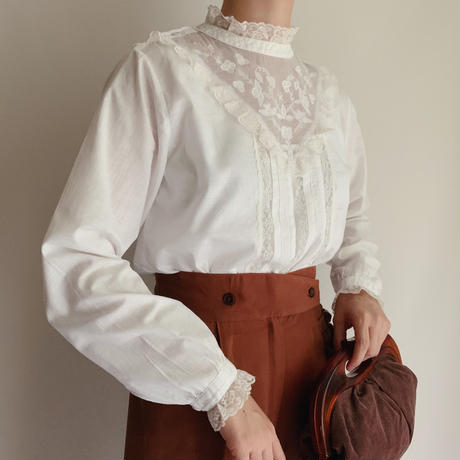 Euro Vintage Flower Embroidery Cotton Blouse