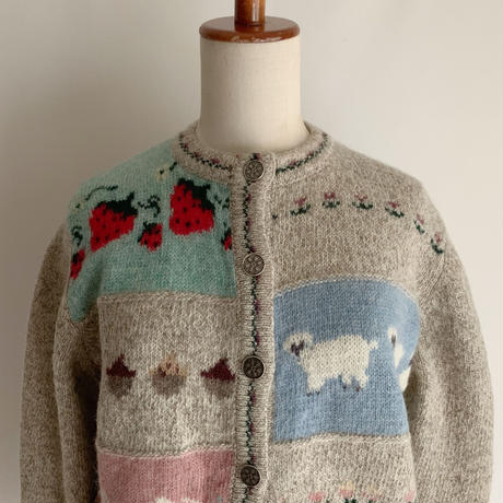 "80 's - 90's "" Wool Rich ""  Country Knitting Pattern Sweater"