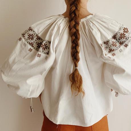 40's - 50's Euro Vintage Folk Linen and Cotton Blend Blouse