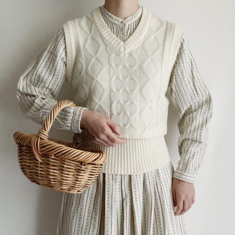 70's Euro Vintage Waist Rib Knit Vest