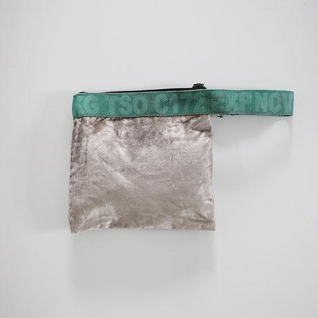 VINTAGE SLING BELT POUCH〈SILVER ×GREEN〉