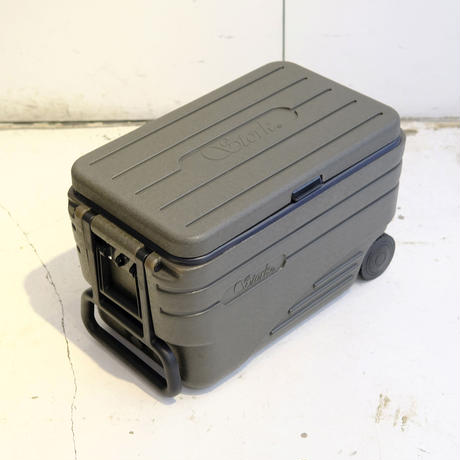 OLIVE DRAB COOL BOX〈47L〉