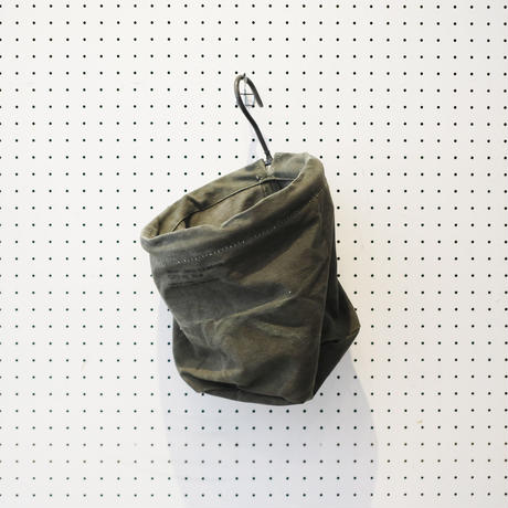【USED】VINTAGE TENT FABRIC HOOK BASKET 〈S〉