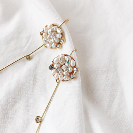 Freshwater pearl  Swarovski pierce