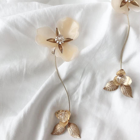 ivory flower earring
