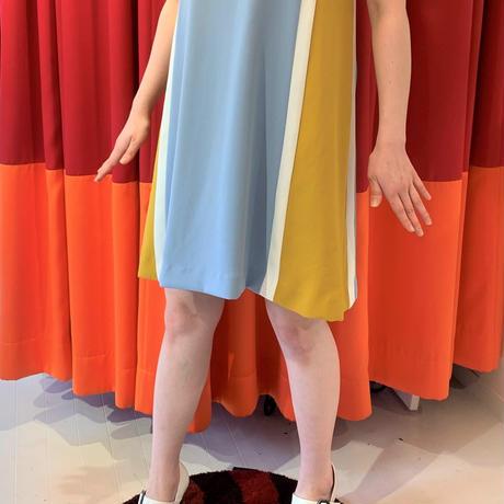 ラインアクセントサイドカラードレス