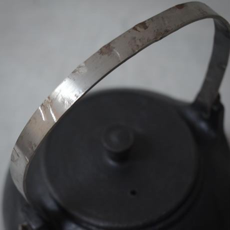 鈴木環 やかん 丸 黒 中