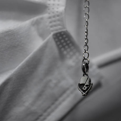 マスク ハング チャーム  / 925シルバー モダンパイレーツ スカル チェーン デザイン