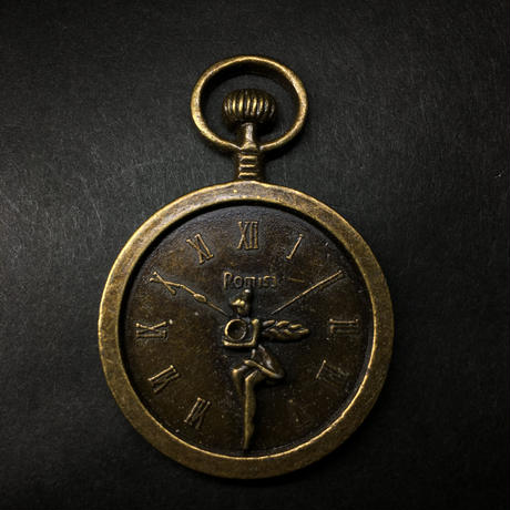 『妖精の時計』金属素材 長さ5.3cm