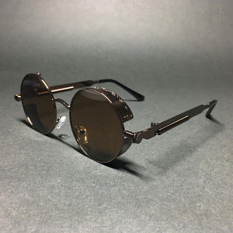 ブラウンの丸い眼鏡