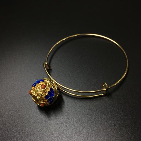 『光る装飾具』 金・銀・赤・青