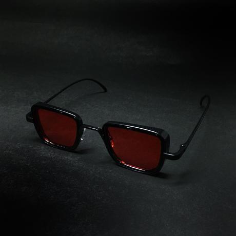 『丸くない赤い眼鏡』