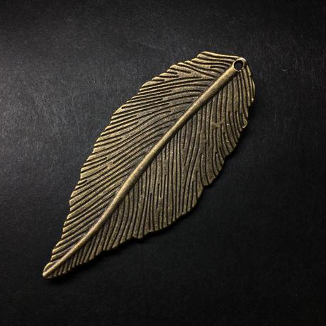 『羽のような葉』金属素材 ペアセット 長さ6.6cm