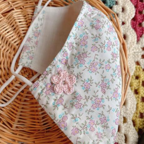 マスク 小花 手編みモチーフ付き 白