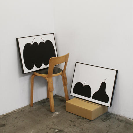 ANDREAS SAMUELSSON & PAPIER LABO.〈POSTER WITH FRAME/TWO  APPLES〉
