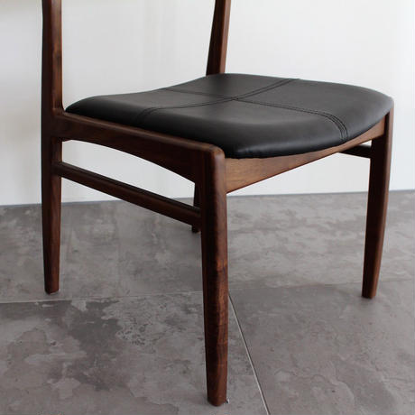 OWEN CHAIR