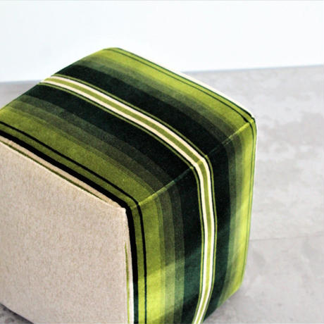 DICE STOOL GREEN STRIPE