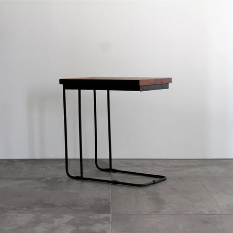 U IRON SIDE TABLE BROWN