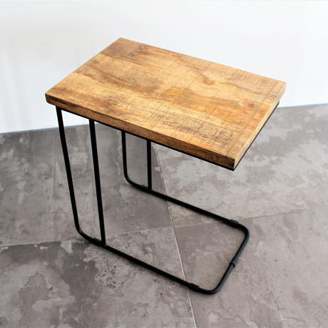 U IRON SIDE TABLE NATURAL