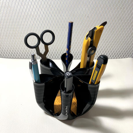 pen  stand  ‐aim-