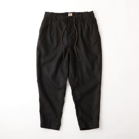 SEE SEE ヤエイ TUCK PANT BLACK LINEN